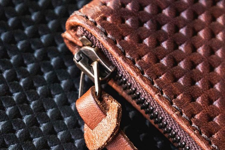 Tanner Goods Updates Their Universal Zip Wallet-5