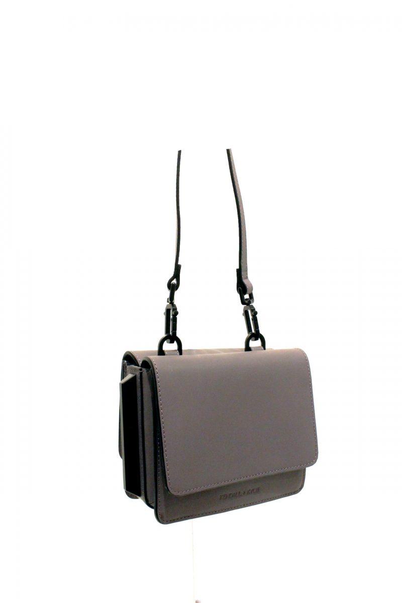 kendall-kylie-handbag-4