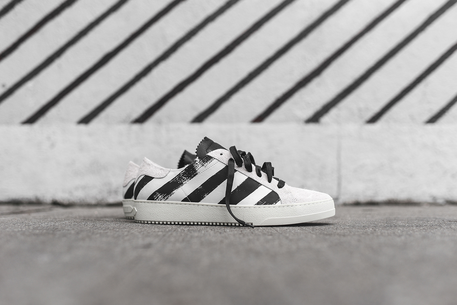off-white-striped-sneaker-pack-05