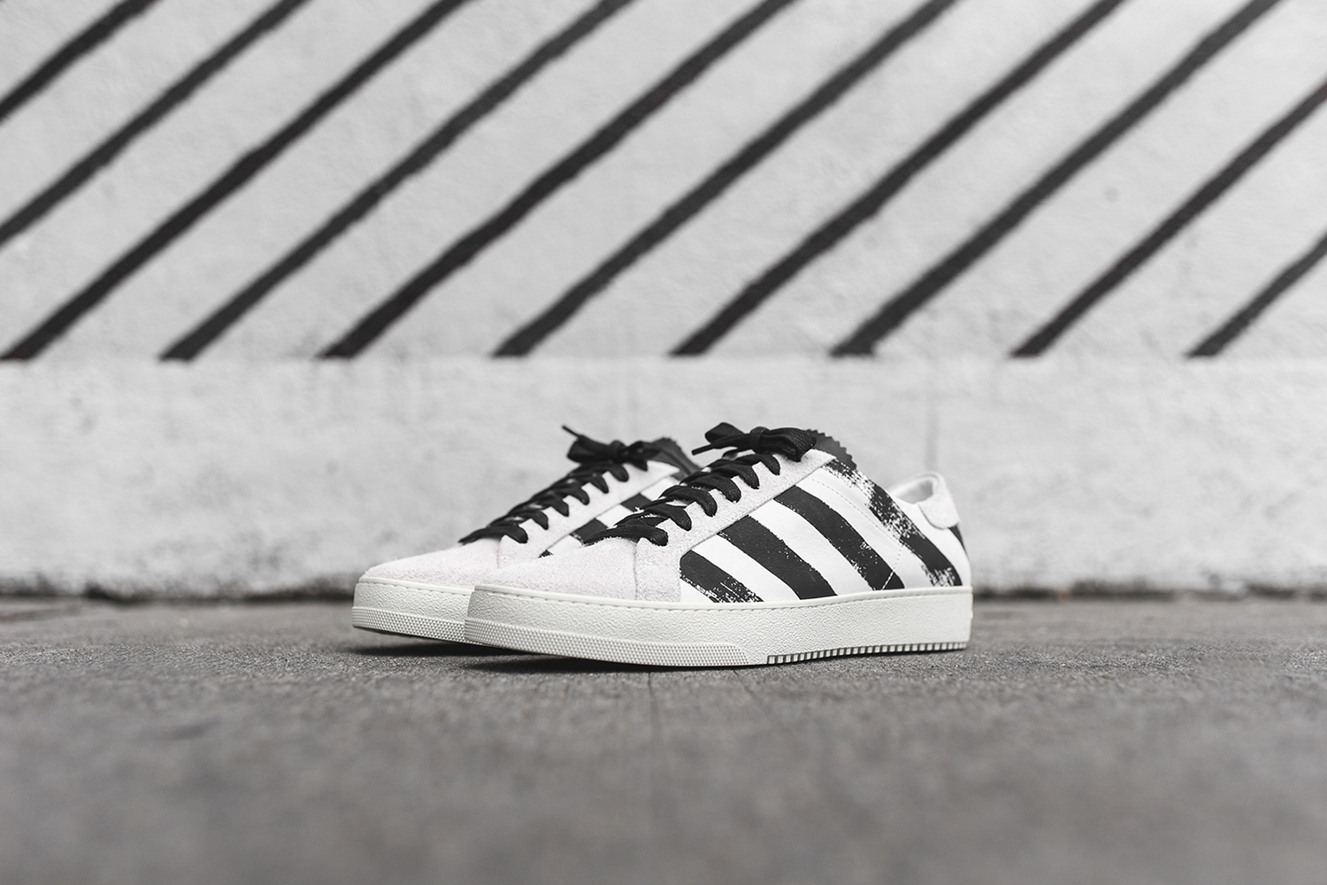off-white-striped-sneaker-pack-06