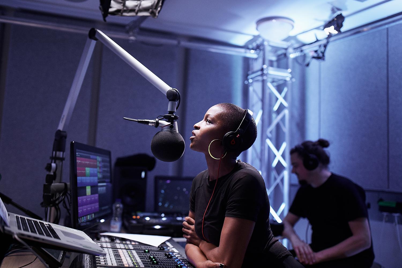 julie-adenuga-beats-1-apple-music-in-studio