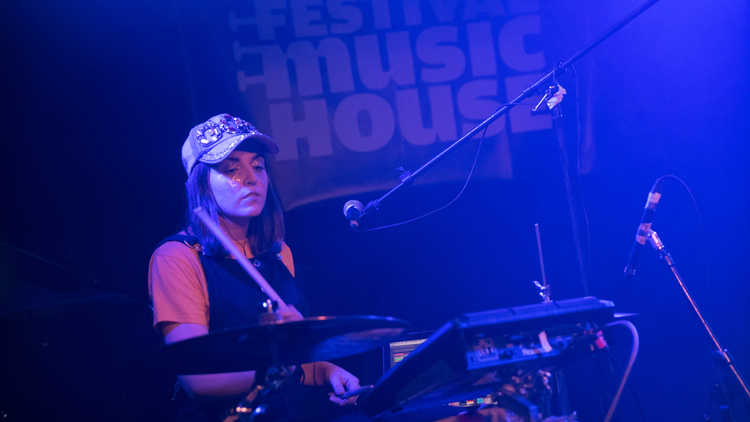 jessy-lanza-drummer
