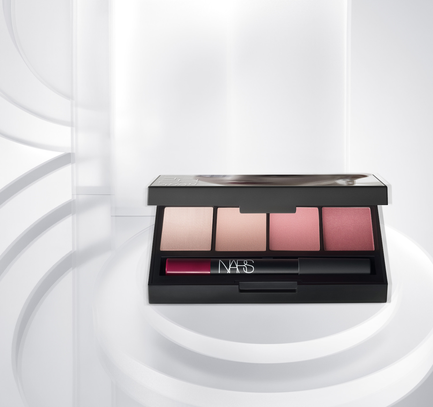 sarah-moon-for-nars-holiday-collection-5