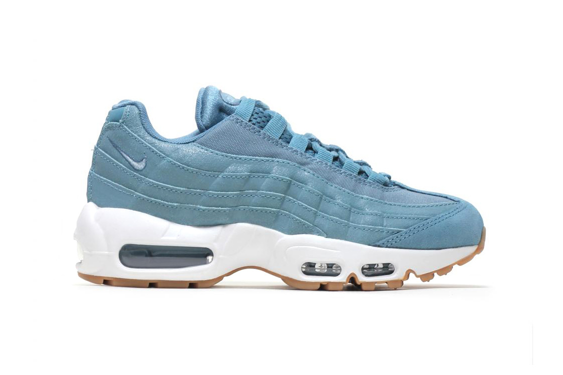 classic fit 9dc4f 76729 The famous Air Max cushioning, flex grooves in the outsole and lacing  system ensure a comfortable step. The blue and pink colourways are  available now from ...