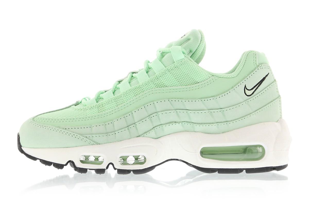 sélection premium 202d2 93be6 Nike Releases Air Max 95