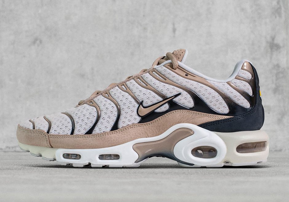 official photos 3d5b1 aab20 ... as the Nike Air TN, but were willing to bet these will be a worldwide  hit. The NikeLab Air Max Plus will be available starting April 25 online  and at ...